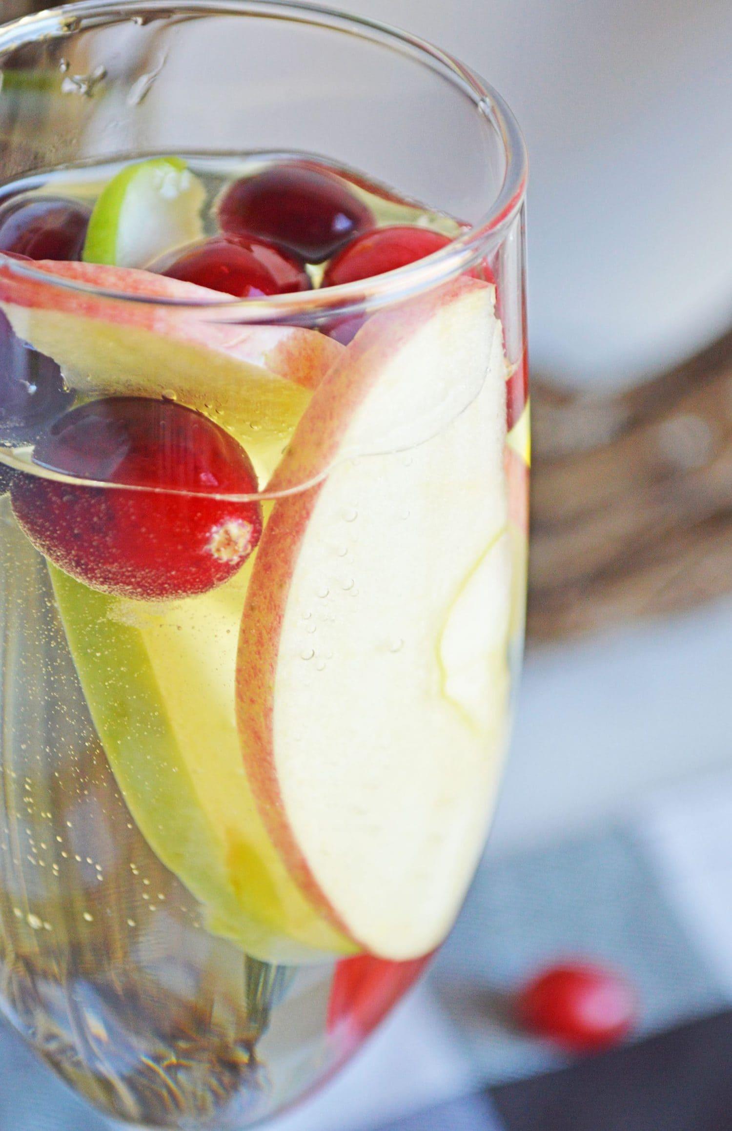 white wine cocktail recipe