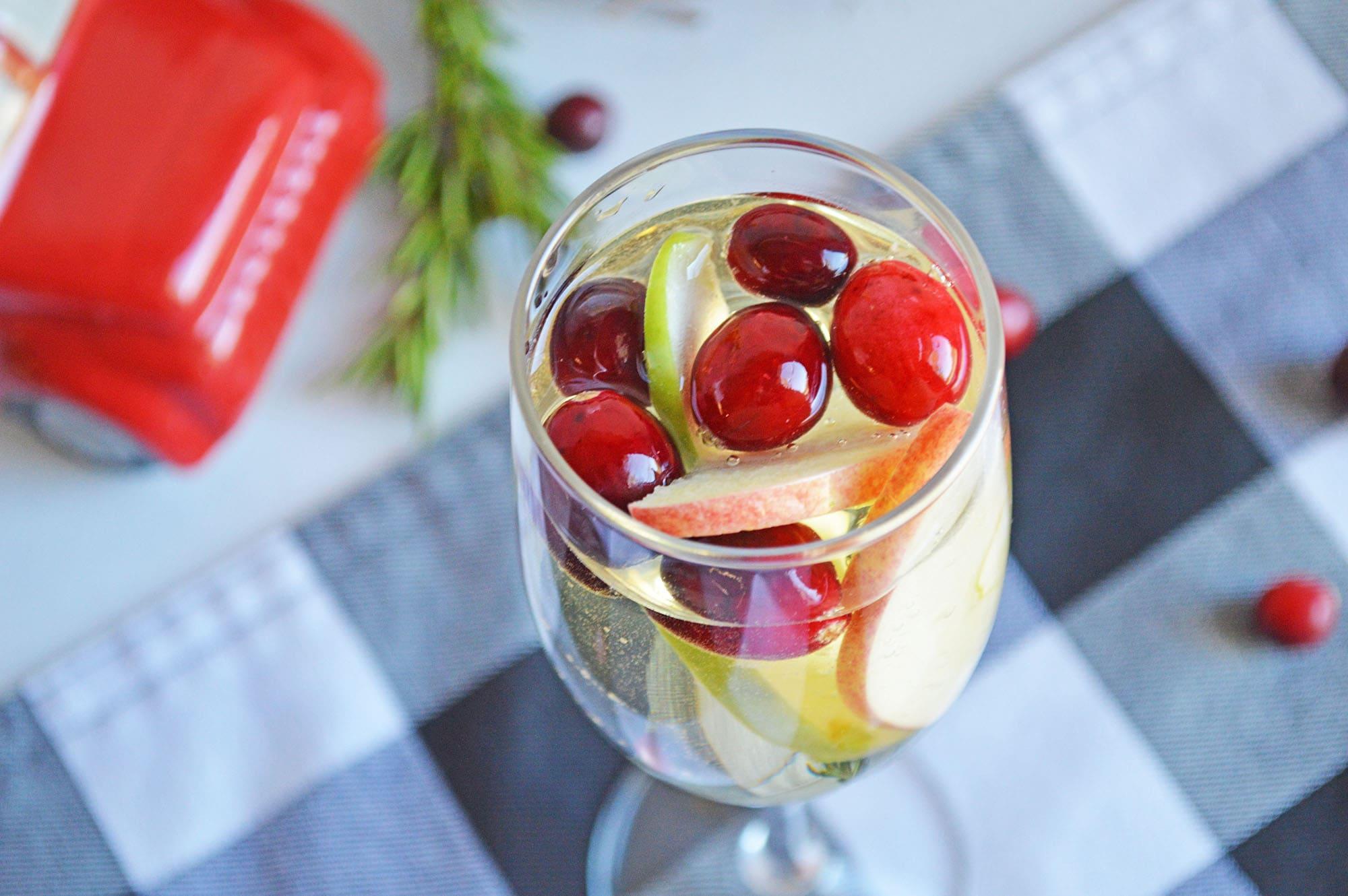 white sangria cocktail recipe