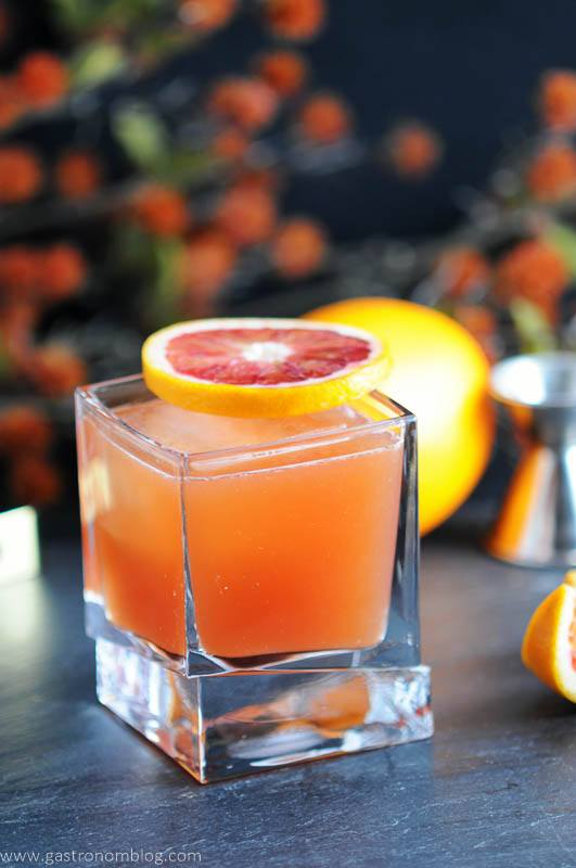 THE BLOOD AND BOURBON – BLOOD ORANGE COCKTAIL