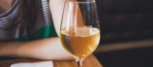 The Most Popular Types of White Wines   White Wines Have Different Tastes   The Different Types of White Wine   Popular White Wines Around the World   #whitewine #wine #popularwines #winetasting