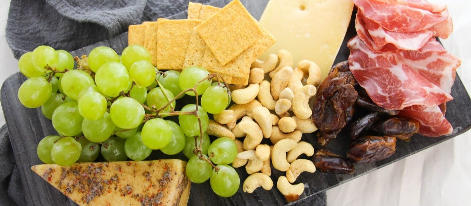 Delightful & Easy Mini Cheeseboard| Cheeseboard Ideas| Easy Cheeseboard Ideas| How to Make a Cheeseboard| Cheeseboard for Wine Night| Easy Party Cheeseboard| #cheeseboard #wine #cheeseandwine #snacks #snacktray