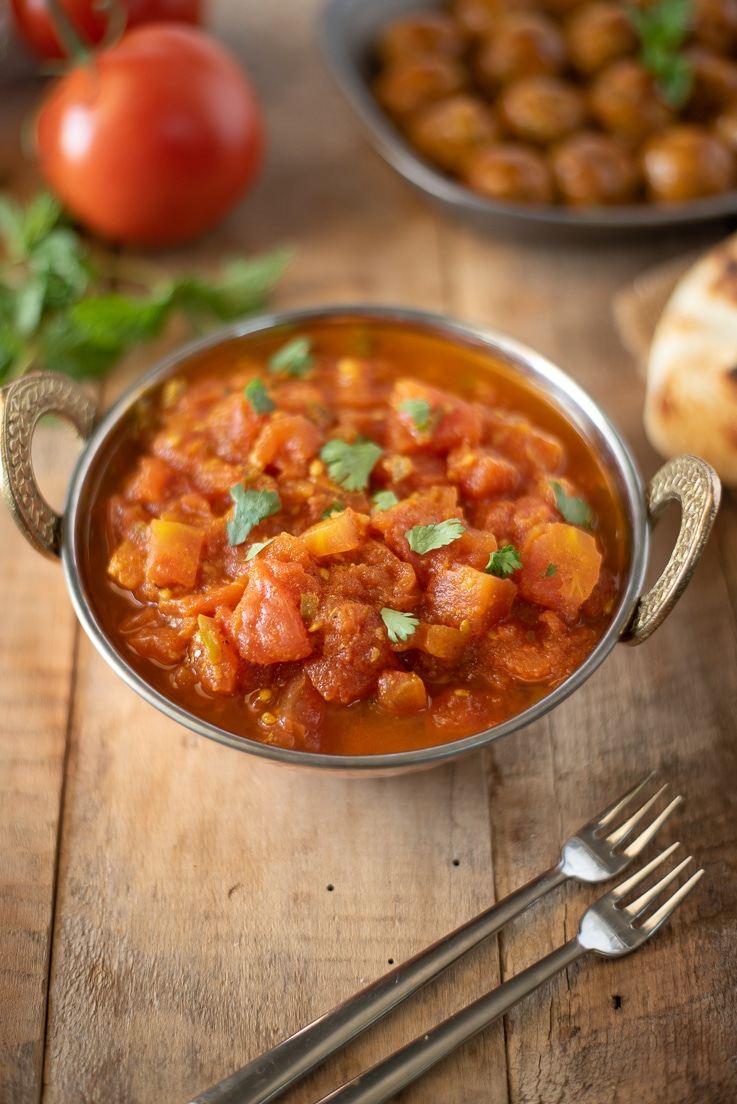 Tomato Based Dishes To Pair With Chianti - Easy Indian Tomato Chutney