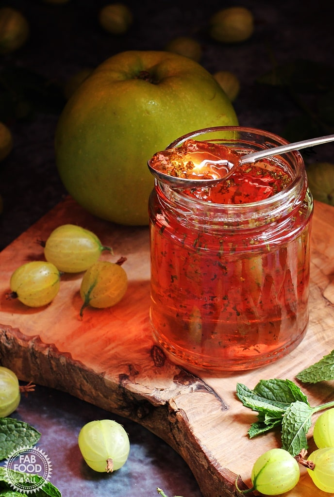 Gooseberry, Apple & Mint Jelly Recipe - Delicious Jelly Recipes For Your Cheese Board