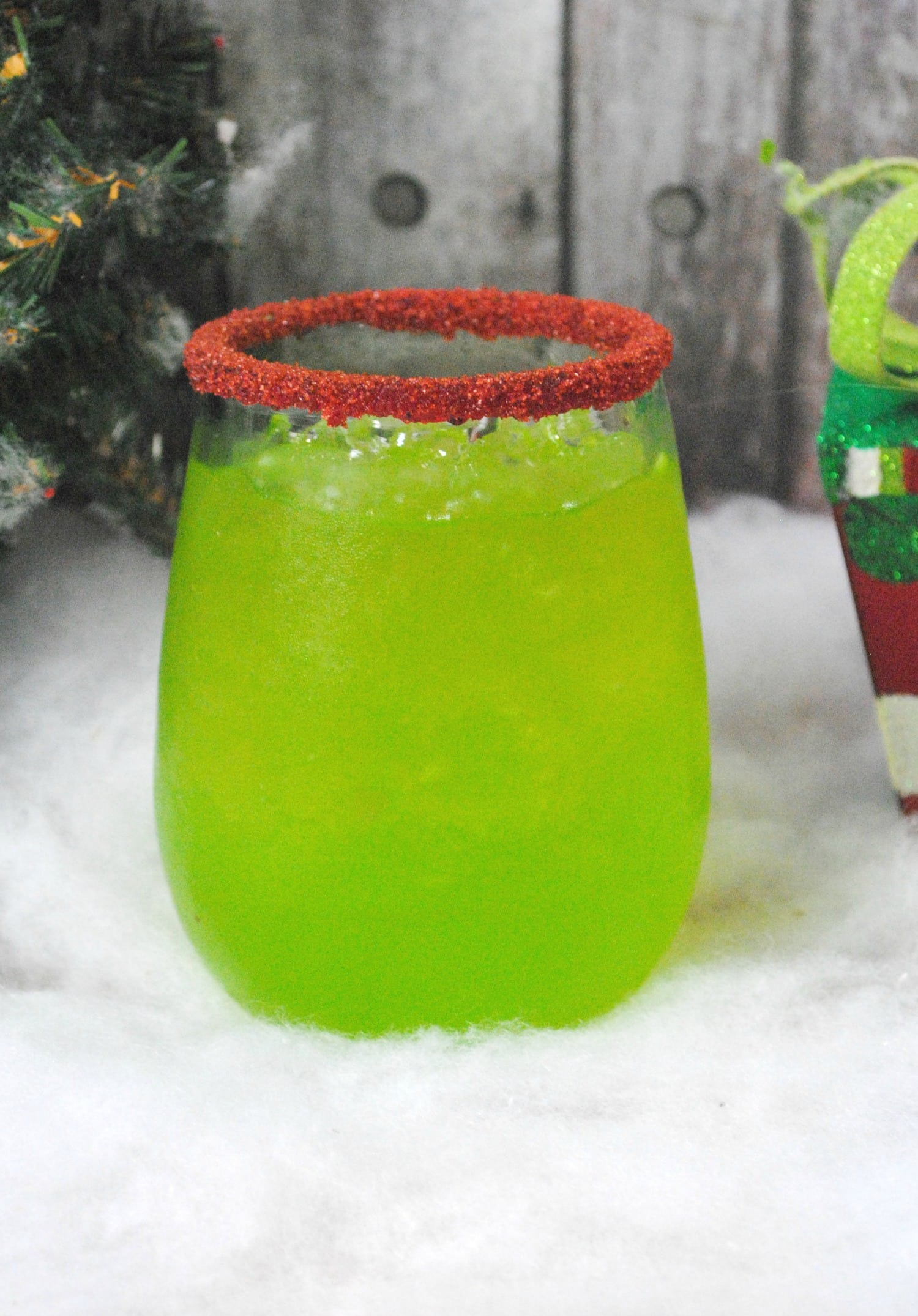 Green Cocktails To Celebrate St. Patrick's Day Without Beer - Grinch Cocktail