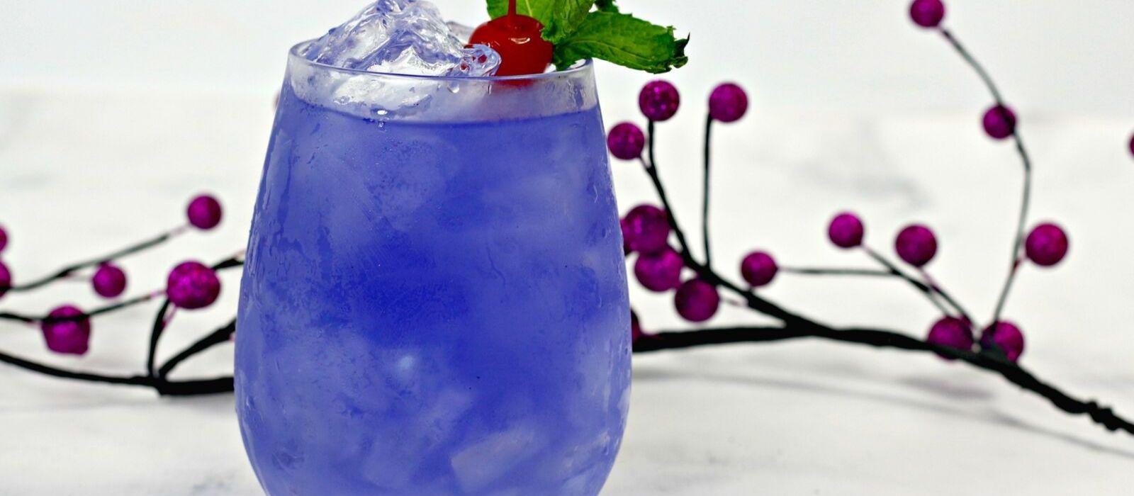 Maleficent Cocktail| Villain Cocktail Recipe| Maleficent Cocktail Recipe| Maleficent Vodka Cocktail| Disney Themed Cocktail| #disney #maleficent #cocktail #halloween #villain