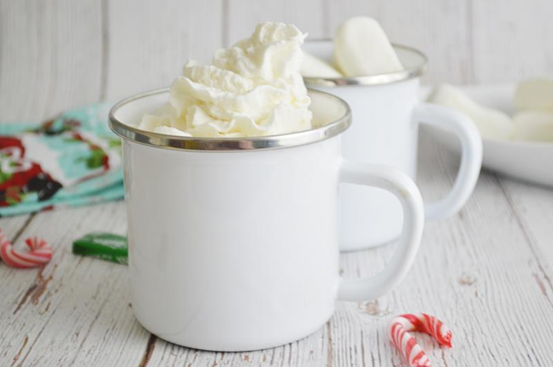 boozy hot chocolate mix recipe with chocolate candy