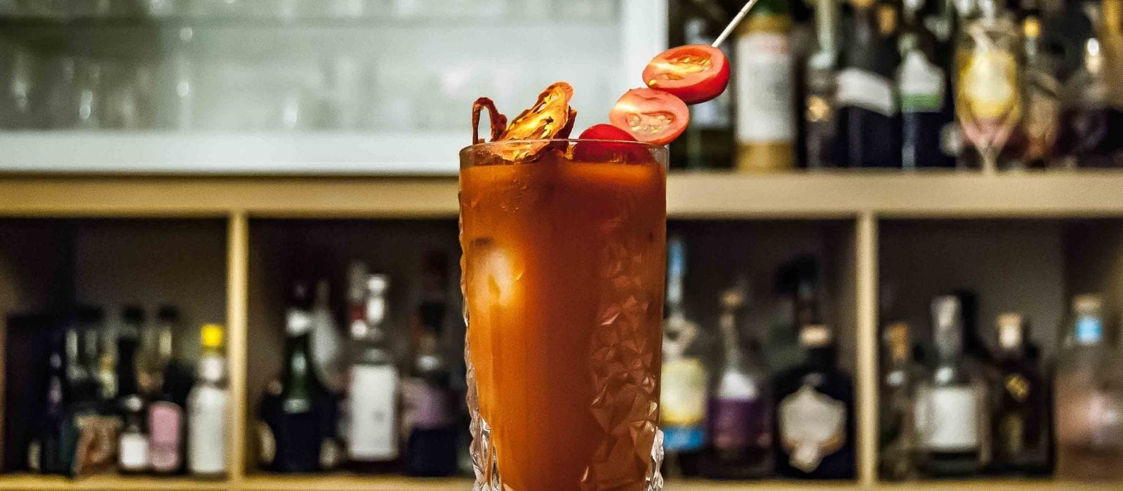 What is a Caesar Vs a Bloody Mary| What is the Difference Between a Caesar and a Bloody Mary| Is a Bloody Mary the Same as a Caesar| Caesar or Bloody Mary| #caesar #bloodymary #cocktails #drinks