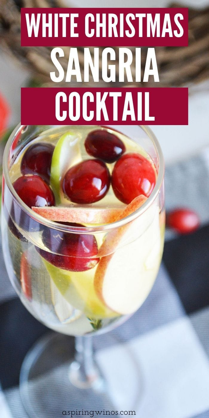 White Sangria Cocktail | Christmas Cocktail | Best Wine Cocktail | White Christmas Sangria Cocktail | Fun and creative white wine ideas | Drinks for a crowd | Alcoholic Punch Recipes #wine #cocktail #sangria #christmas