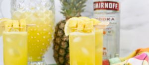 Boozy Pineapple Lemonade | Summer Cocktails | Best Spiked Lemonade Recipe | Spiked Lemonade and Pineapple | Lemon and Pineapple Cocktail Pineapple Lemonade Cocktail Recipe | Pineapple Lemonade Recipe | #spikedlemonade #cocktail #boozylemonade