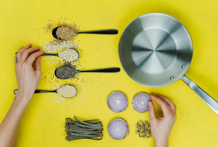 metal frying pan cooking tip