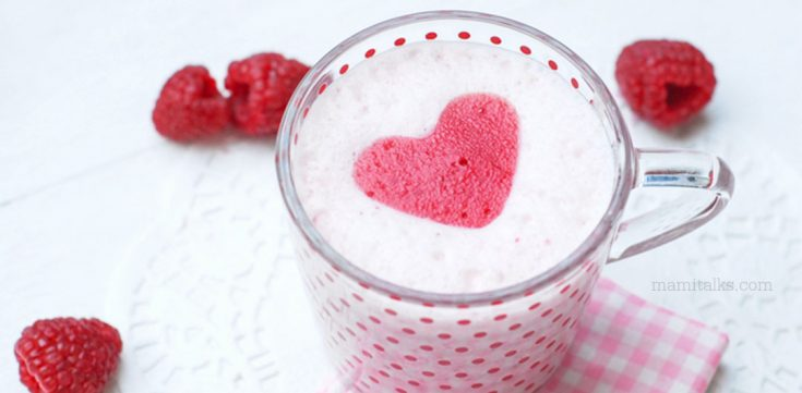 Valentine's Drink: Silky Strawberry Smoothie with Raspberry Hearts
