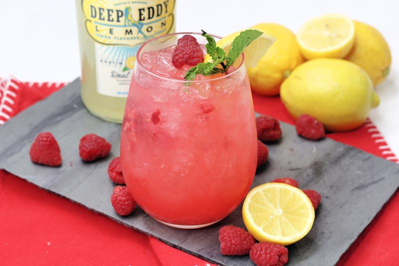 Sour raspberry cocktail recipe to make during warm summer days