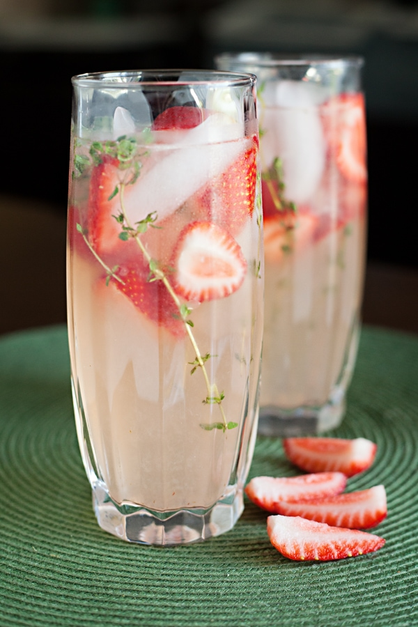 Virgin #Mocktails and Non-Alcoholic Cocktails | Strawberry Time Lemonade refreshing summer porch drink ideas