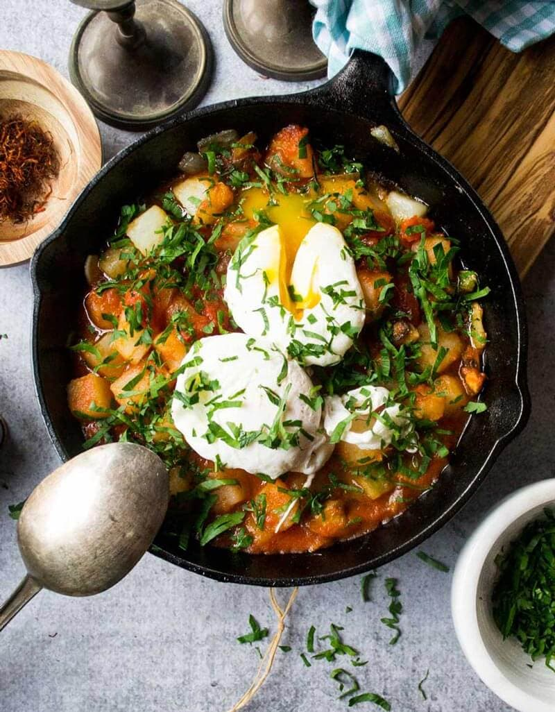 Tomato Based Dishes To Pair With Chianti - Tuscan Tomato and Egg Skillet